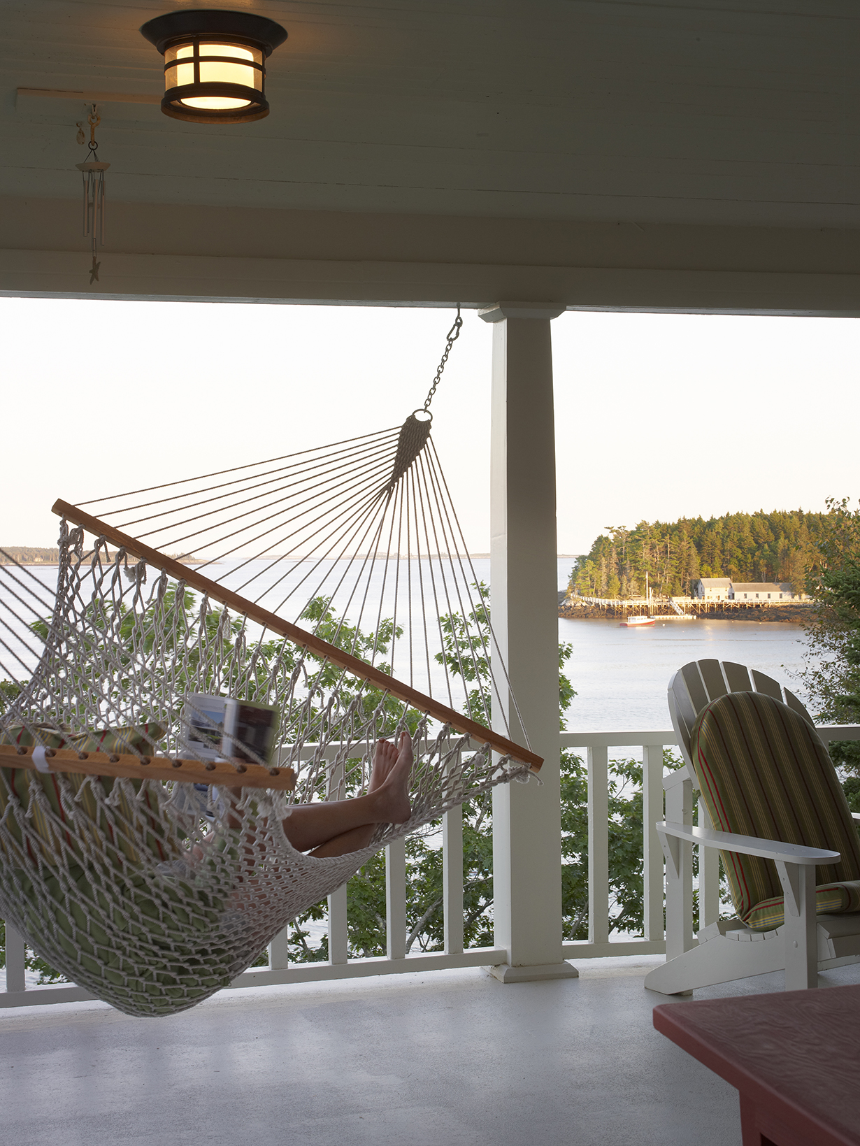 knickerbocker-group-project-maine-cottage