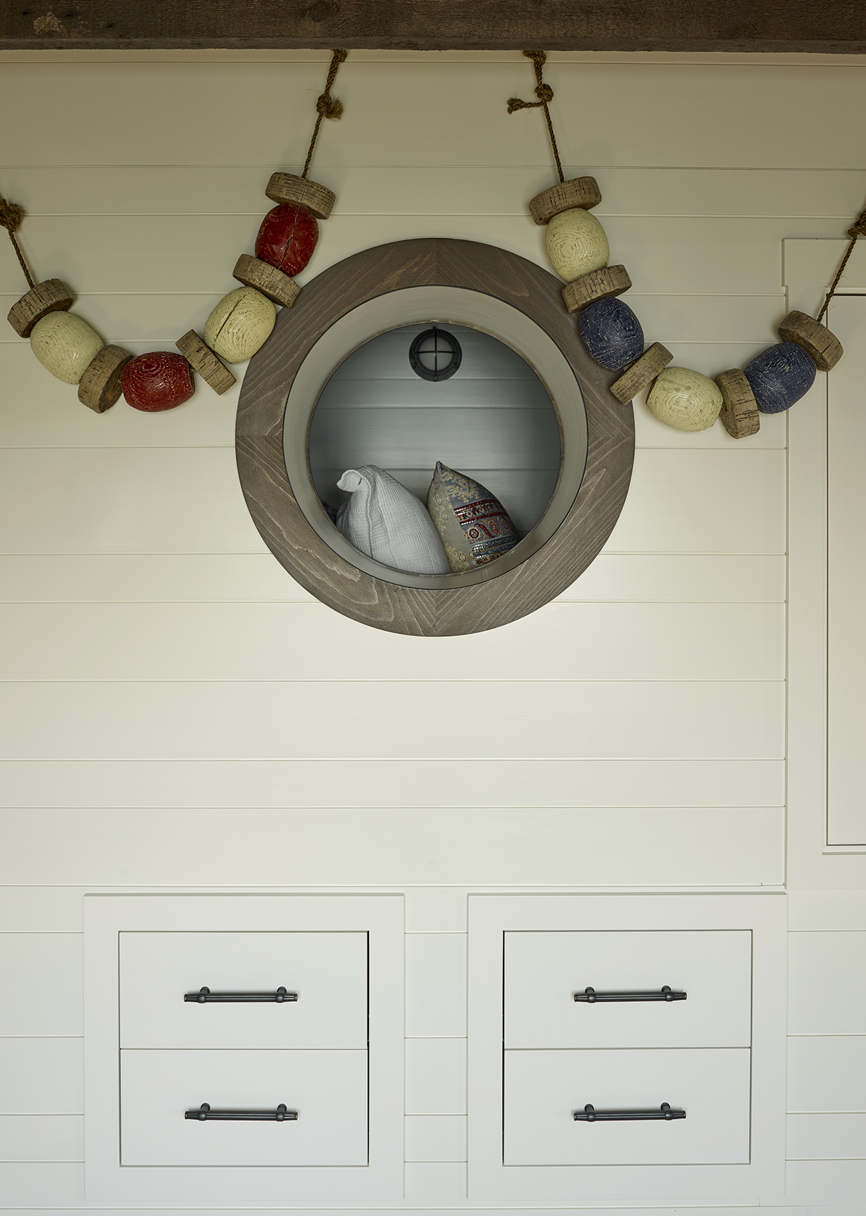 knickerbocker-group-project-maine-cottage-bunkhouse
