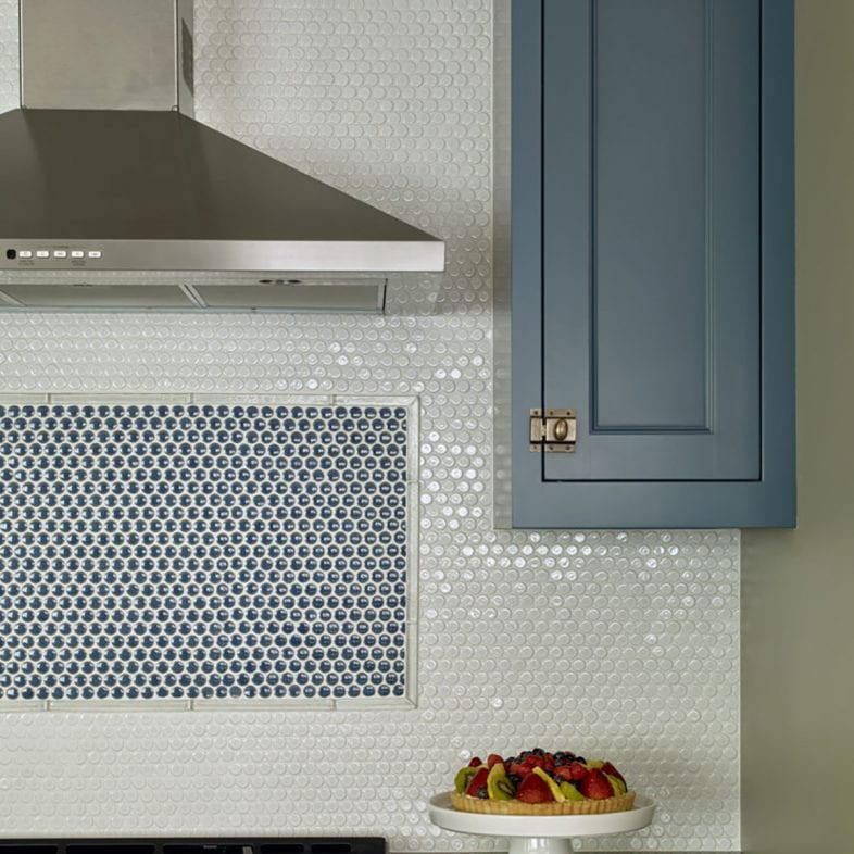 Accent tile backsplash in the kitchen at Casino Cottage