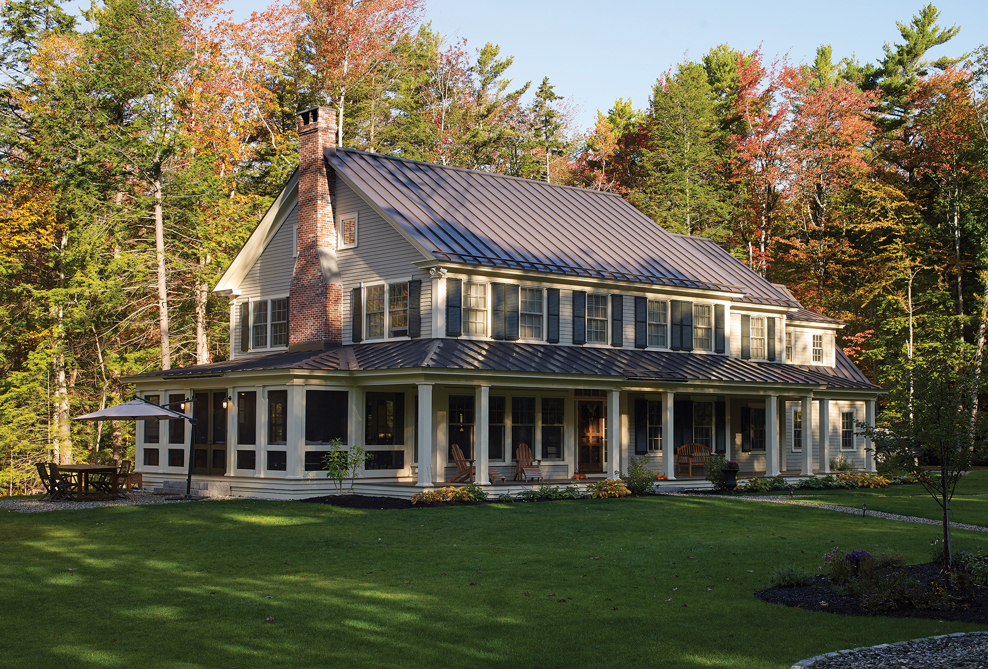 knickerbocker-group-project-chestnut-way-maine-family-home-farmhouse-outdoor-living-barn-studio