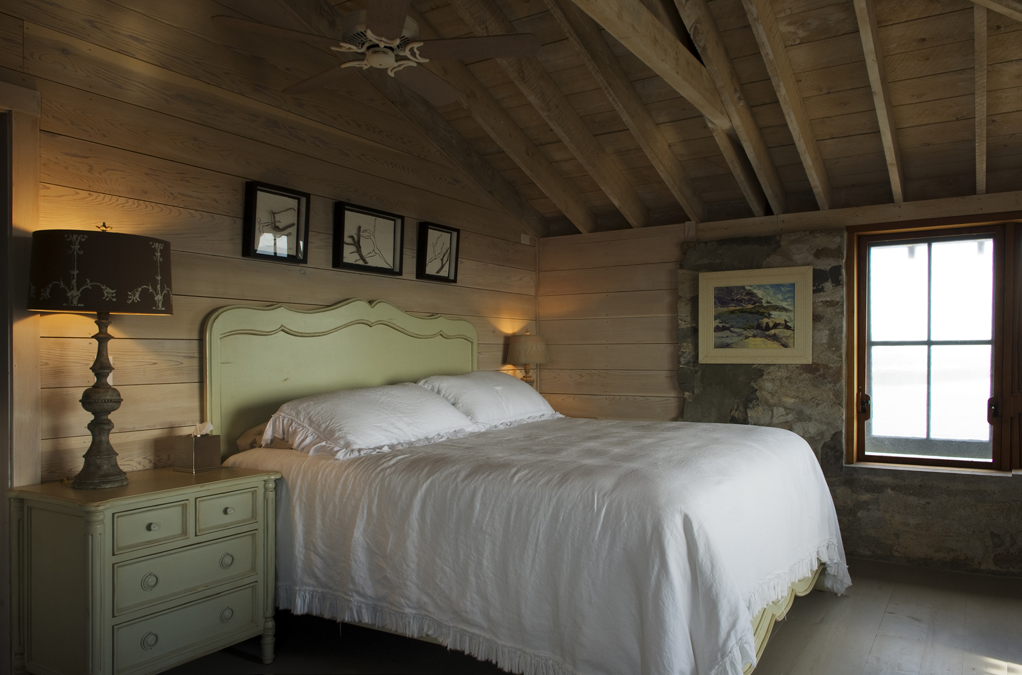 Vintage decor in the bedroom at Hunting Island Cottage