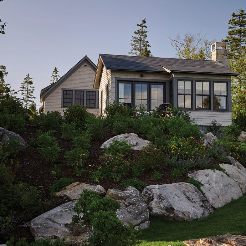 knickerbocker-group-project-boothbay-town-landing-cottage-maine-coastal-home