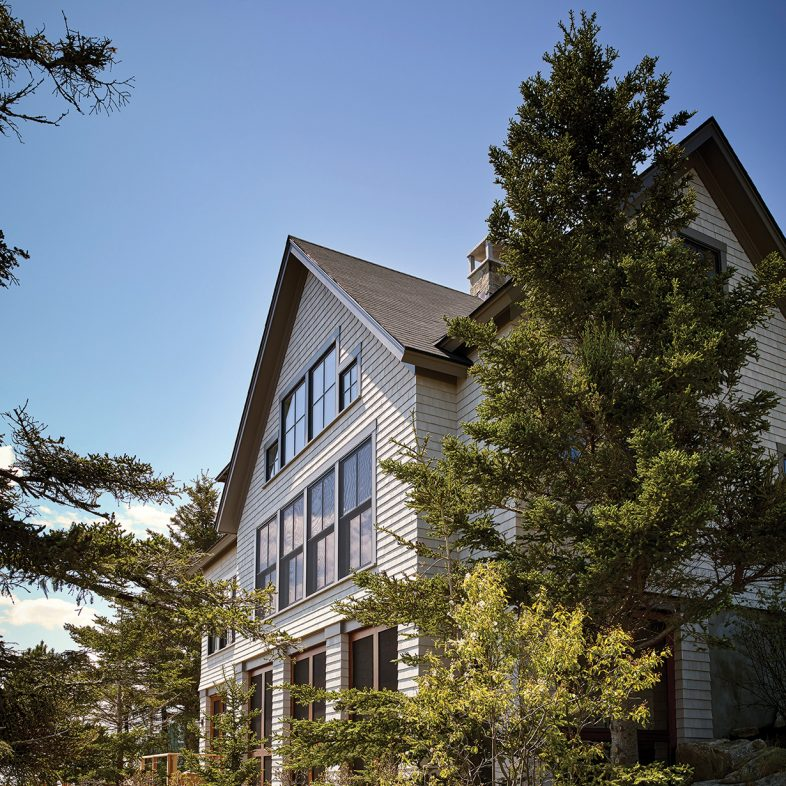 knickerbocker-group-project-boothbay-town-landing-house-maine-coastal-home