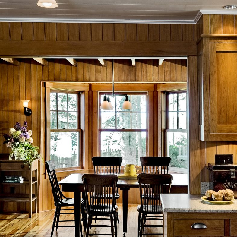 Rustic style kitchen and dining area at Grandview