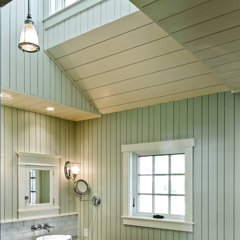 Tall bathroom with clawfoot tub at Grandview
