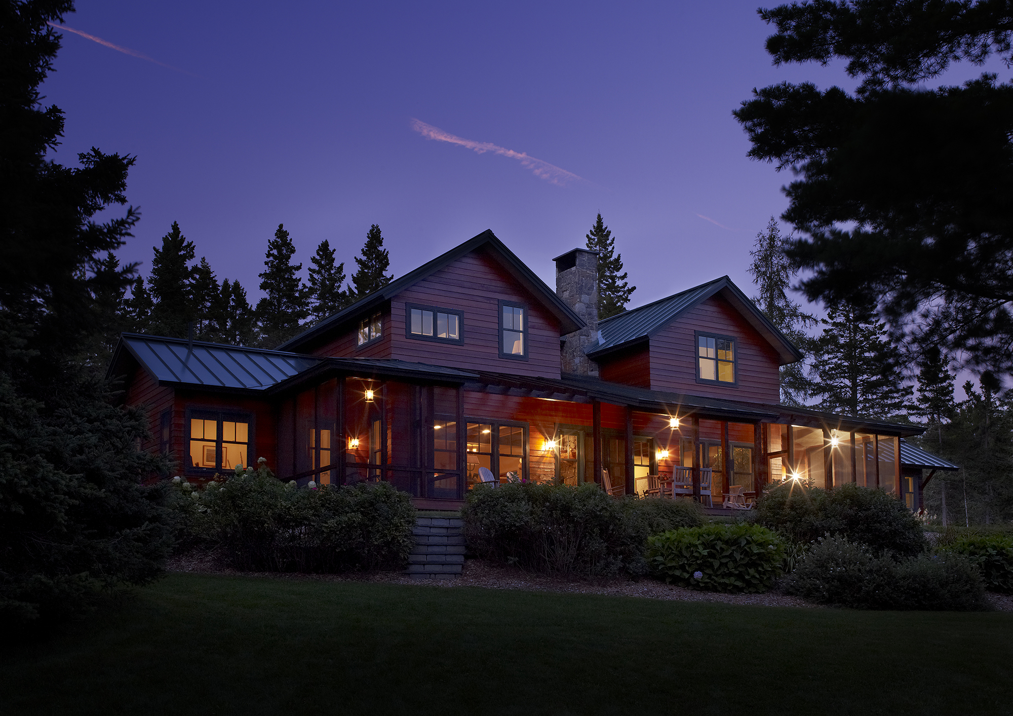 knickerbocker-group-project-rangley-maine-lakeside-farmhouse-authentic-lakeside-home-grass-roads