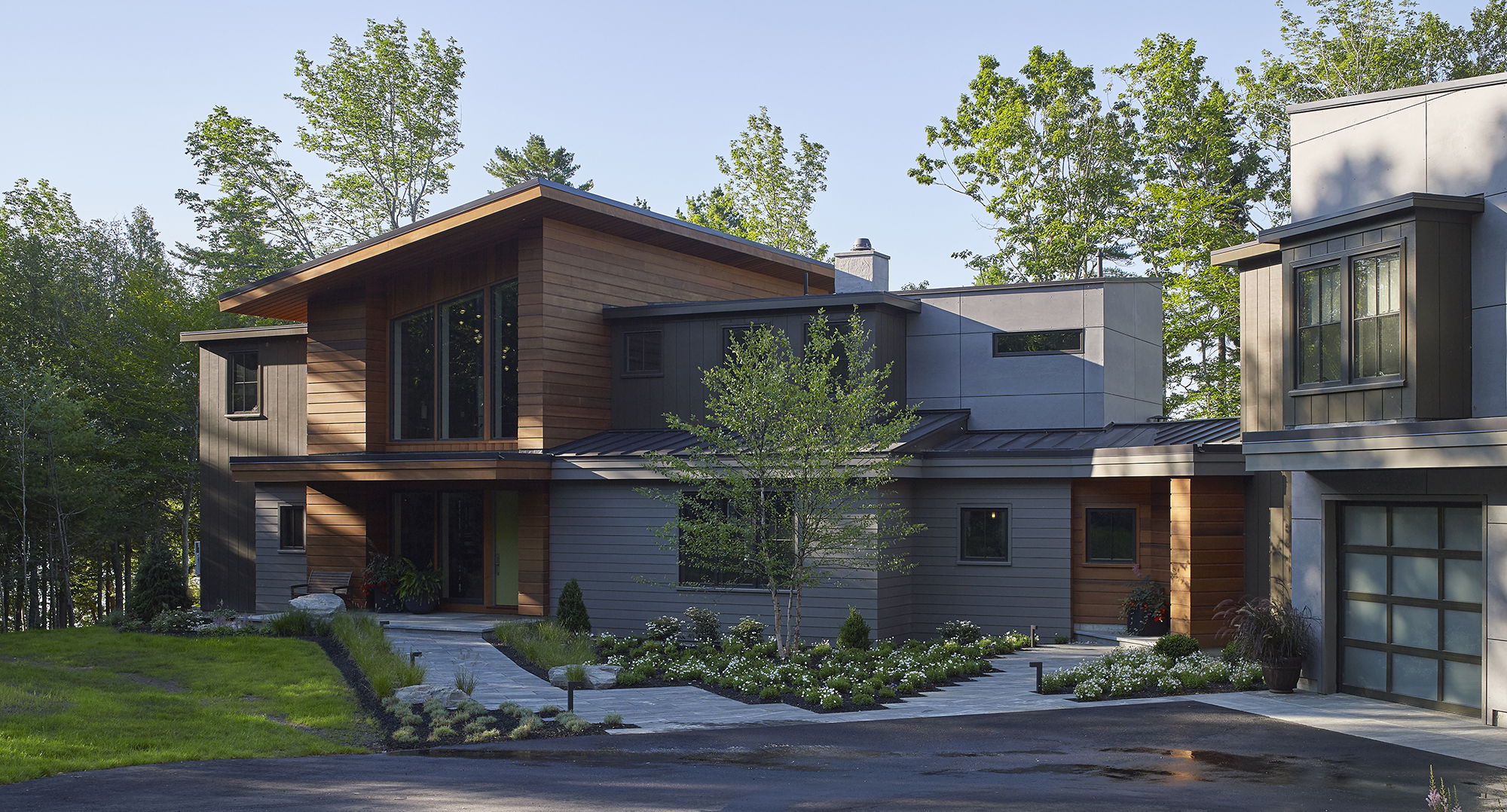 knickerbocker-group-project-urban-modern-maine-coastal-home